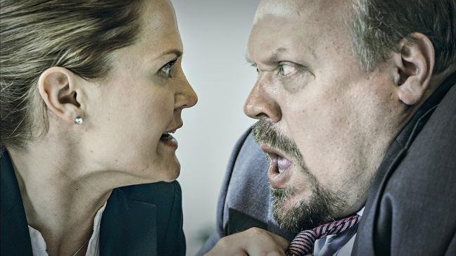 Kirsi (Lotta Kaihua) ja Matti (Hannu-Pekka Björkman). Kuva: Harri Räty/Yle Kuvapalvelu