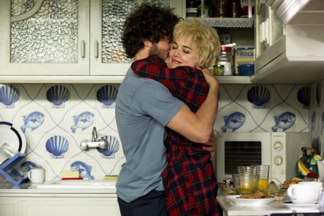 Nuori Julieta (Adriana Ugarte) ja junamies Xoan (Daniel Grao) rakastuvat palavasti. Kuva: Future Film.